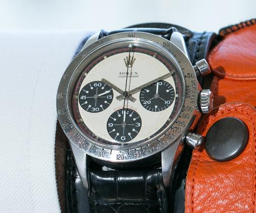 The overall design of this Daytona is classic and vintage.