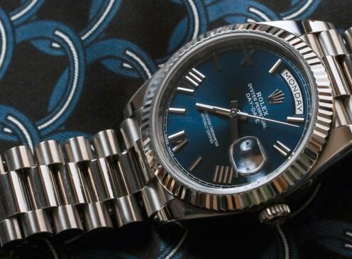 Datejust has been considered as the paragon of modern elegance.