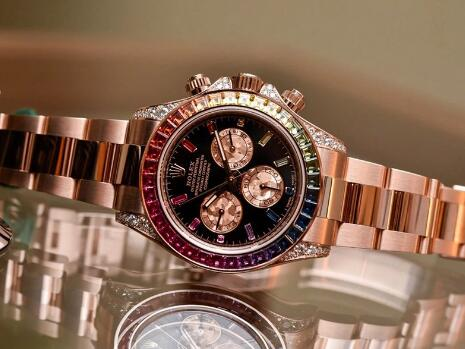The rainbow bezel makes Rolex Daytona very eye-catching.