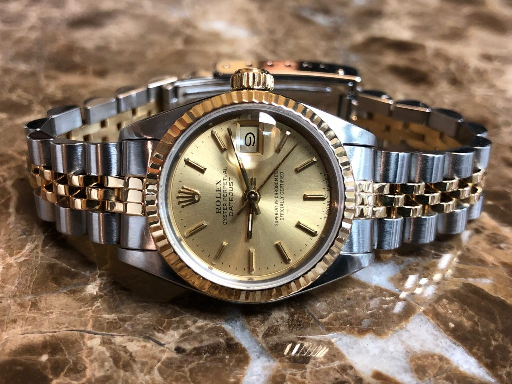 Rolex Datejust replica is good choice for formal occasion.
