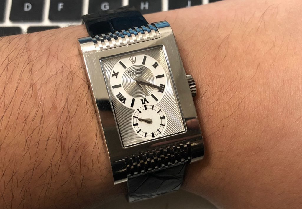 Rolex Cellini replica looks distinctive and recognizable with the rectangle case.