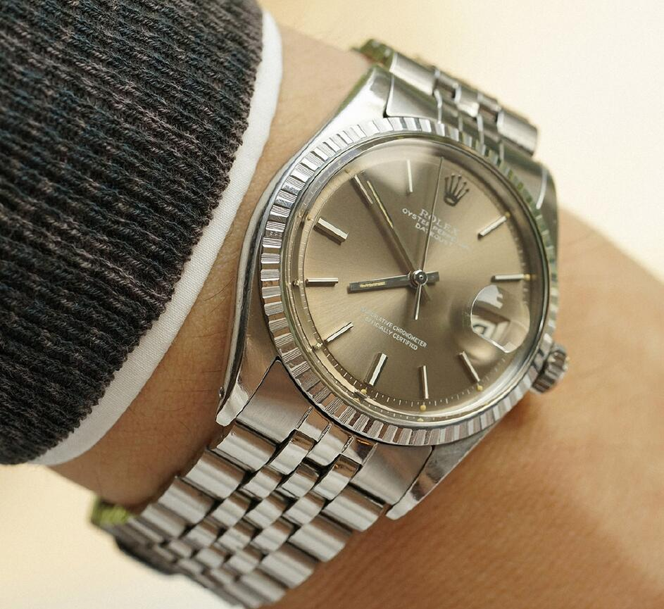 AAA replication watches are tasteful for the grey tone.